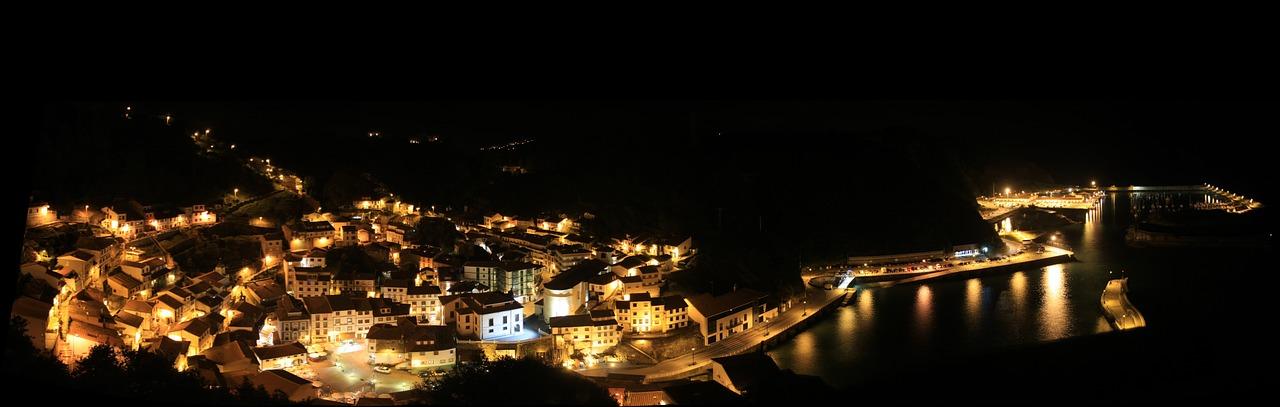 cc0 panoramic of city at night