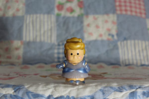 Huntington-2-1.jpg  1/8 - f/5.6 - ISO 200 - 55mm Focused on Cinderella with a blurred background - shallow DOF